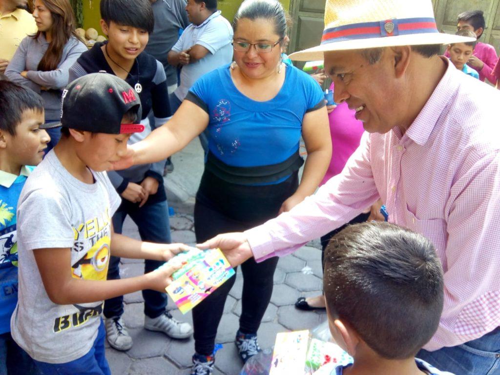 GOBIERNO DE ZACATELCO, COMIENZA ENTREGA DE JUGUETES EN ESCUELAS Y COMUNIDADES